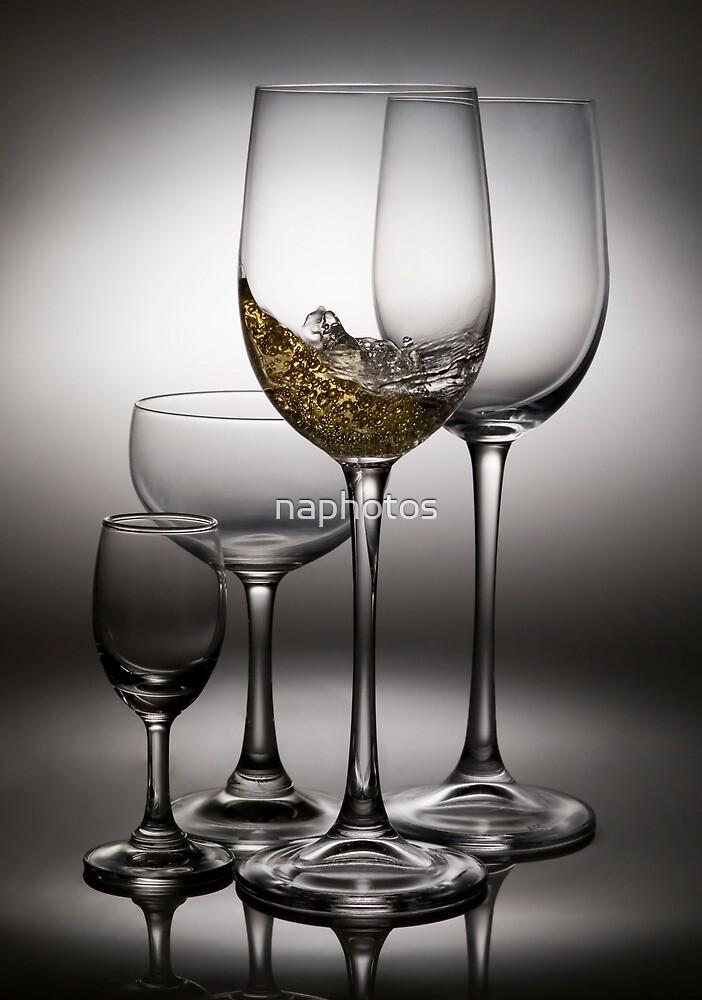 splashing wine by naphotos
