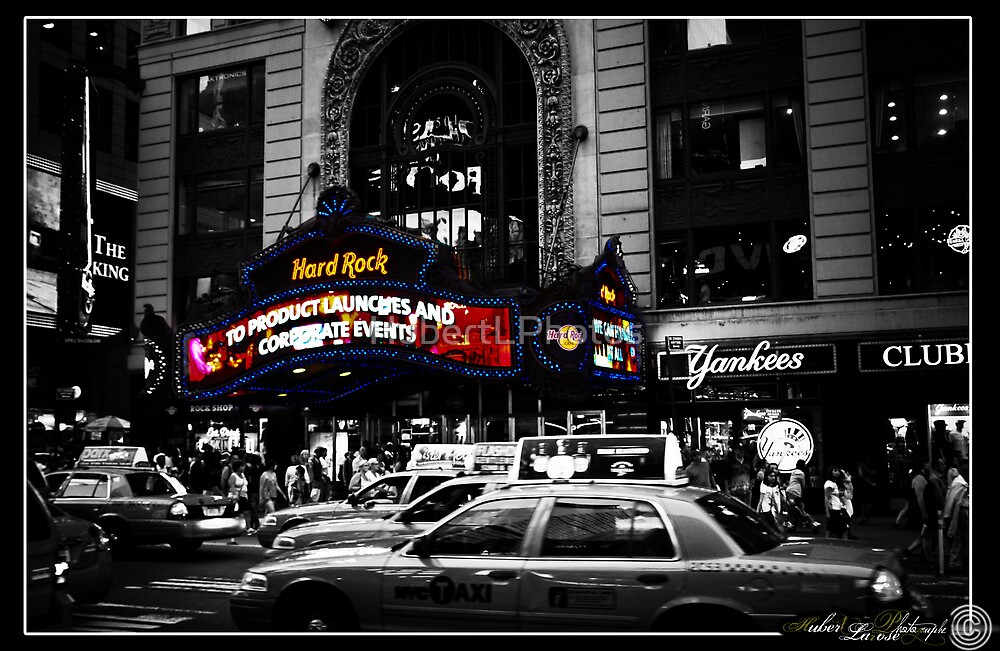 New York - life in black and white by HubertLPhotos