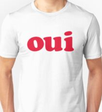 oui - red Unisex T-Shirt