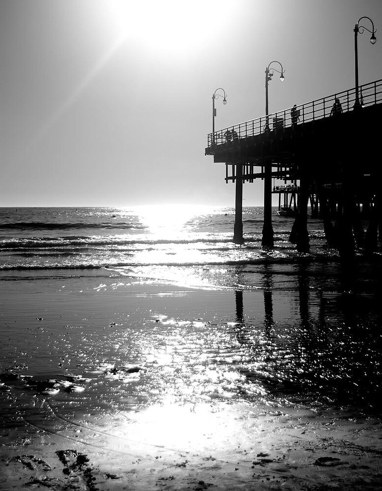 Black White & Sea by Marianna Carrera