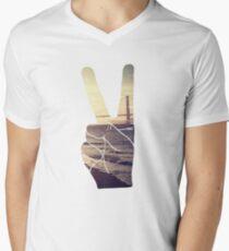 Peace Hand San Francisco Hipster Wanderlust Tumblr Print T-Shirt