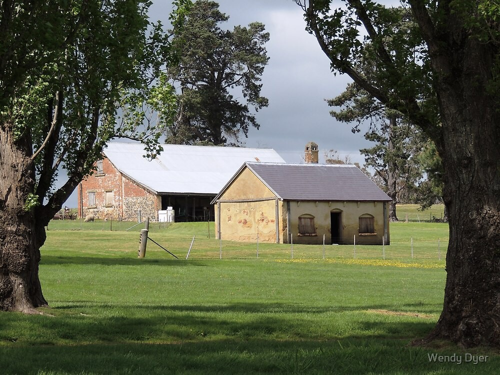 Woolmers Stables & Cottage by Wendy Dyer