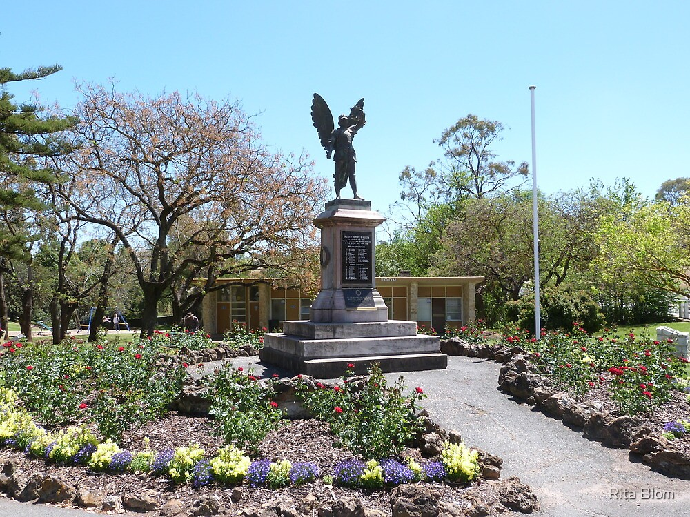 The Cenotaph for the first World War, 1914 - 1918, Angaston, S.A. by Rita Blom