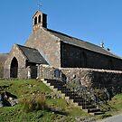 Buttemere kyrkje by Knut P.  Boyum