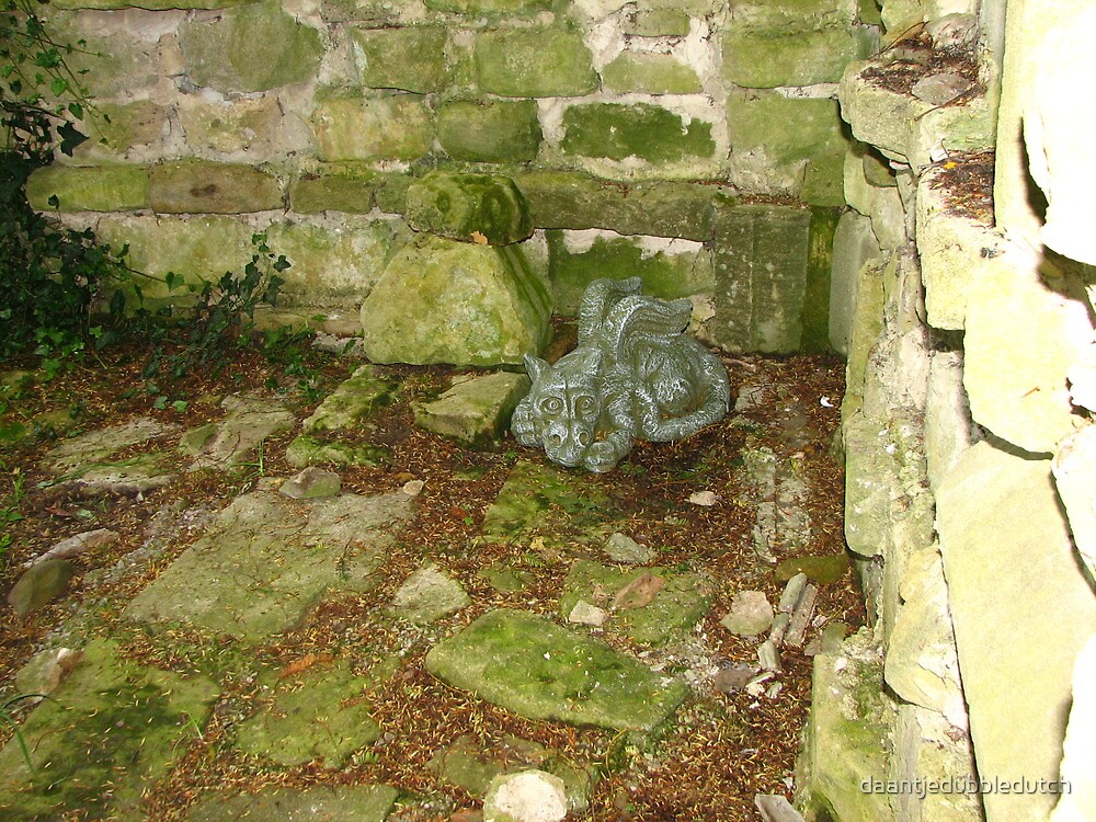 Stone dragon 4 by daantjedubbledutch