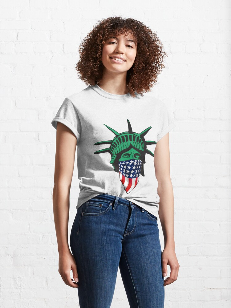 Alternate view of Statue of Liberty USA Classic T-Shirt