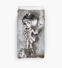 Miss Terri Riddles - Big eyed gothic investigateur extraordinaire!  Duvet Cover