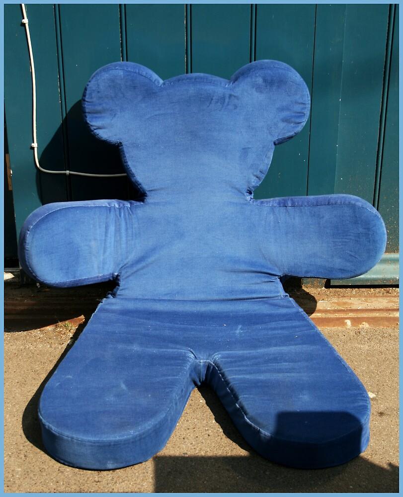 Blue teddy bear by liptonmania