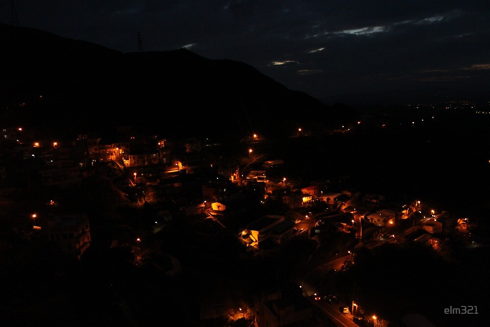 Jiufen, Taiwan at night by elm321
