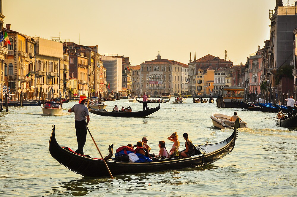 Venetian Gondola at dawn by mchoihk