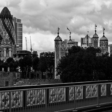 London Skyline by pseudoimagery