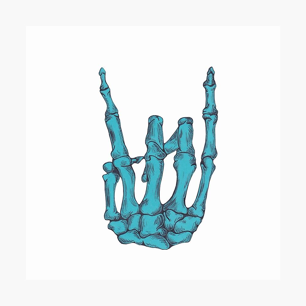 Rock auf Skelett Hand - blau Fotodruck