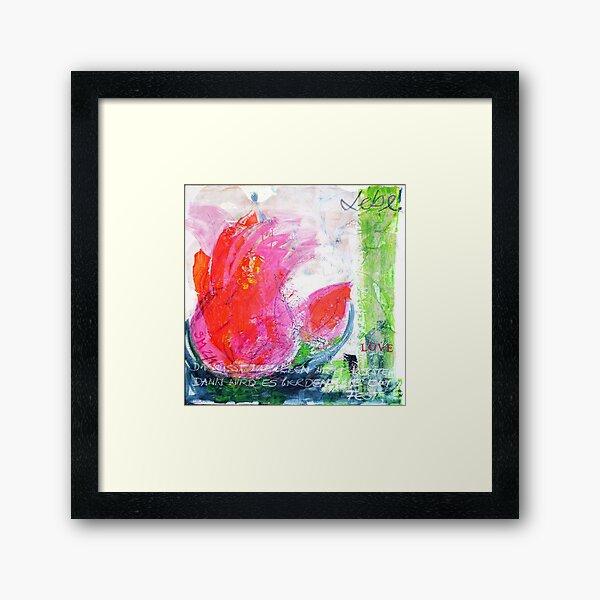 Frühlingserwachen: »orange tulip« Gerahmter Kunstdruck