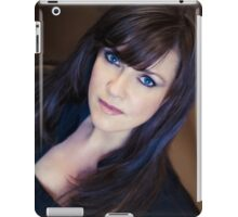 Amanda Tapping vs iPad by Filmart (AT-Vers IV)  iPad Case/Skin