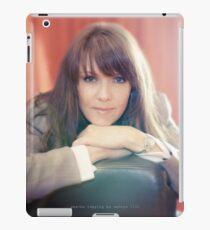 Amanda Tapping vs iPad by Filmart (AT-Vers V)  iPad Case/Skin