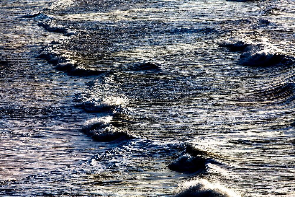 Light wave by Edgar Laureano