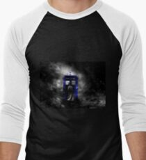 The Doctor and his blue box Men's Baseball ¾ T-Shirt