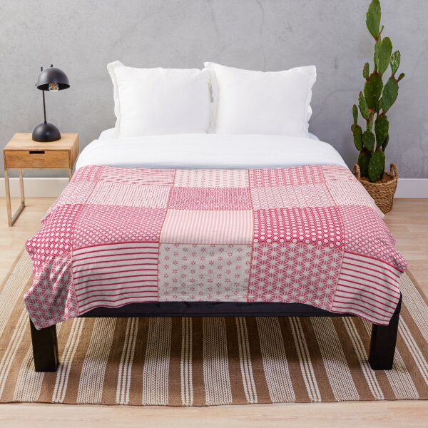 Red and White Faux Patchwork Pattern Throw Blanket