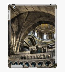 Israel, Jerusalem Old City, Interior of the Church of the Holy Sepulchre iPad-Hülle & Klebefolie