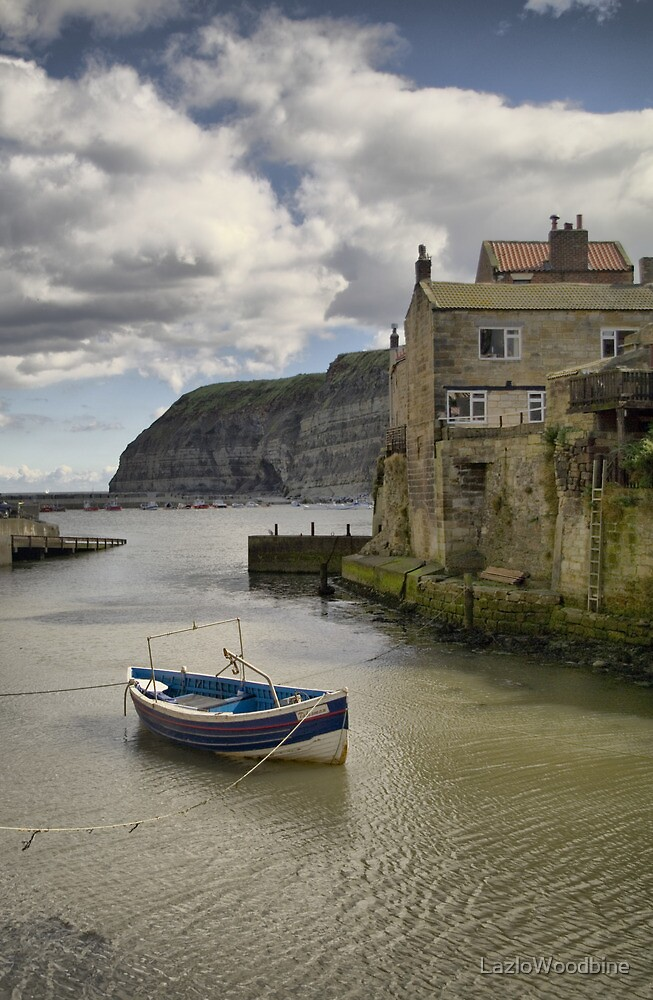 Staithes, North Yorkshire by LazloWoodbine