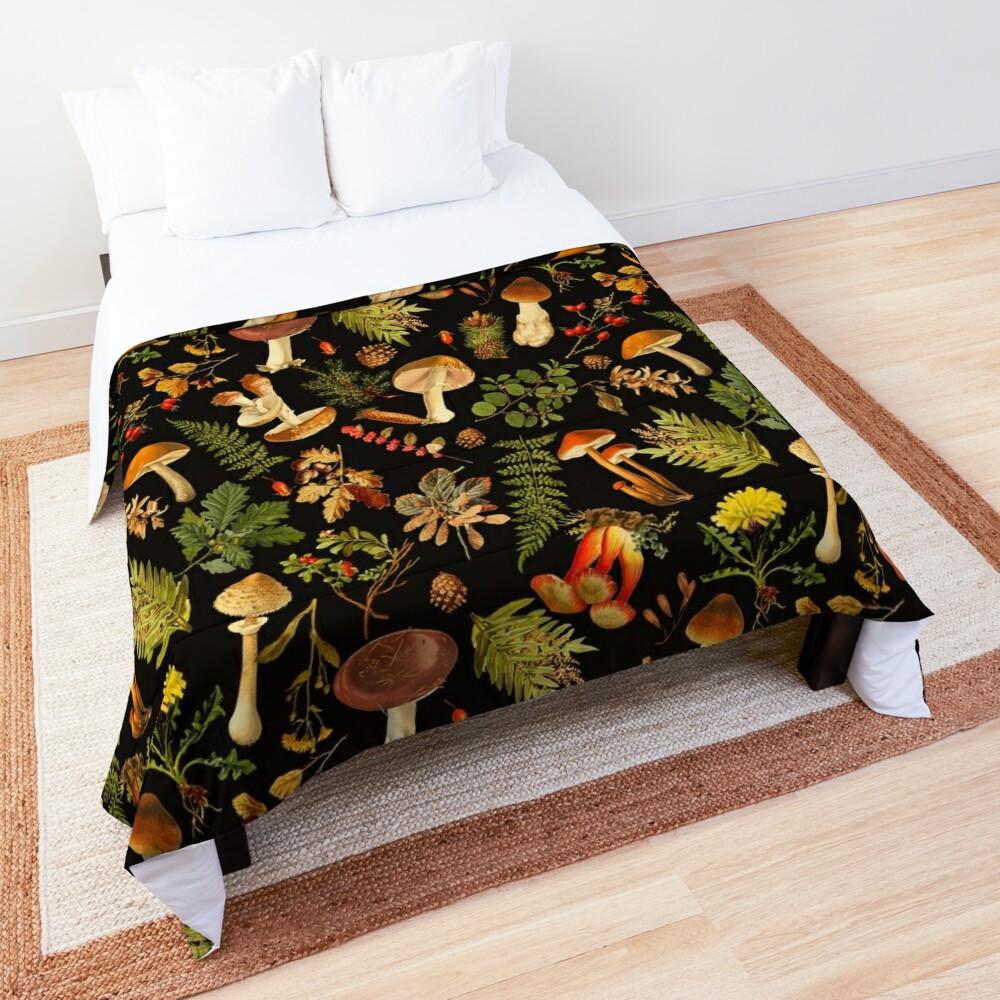 Vintage toxic mushrooms forest pattern on black Comforter