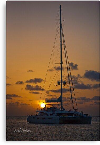 Sunset on the ocean by RichardBlanton