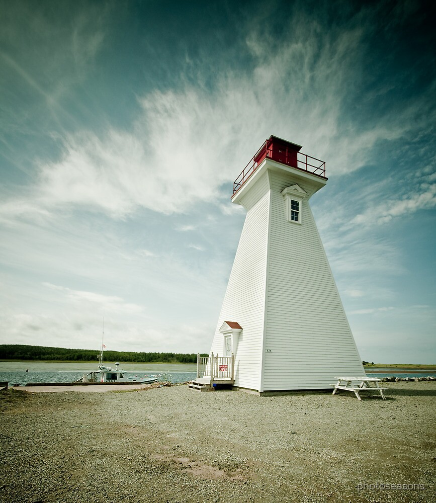 Lighthouse by photoseasons