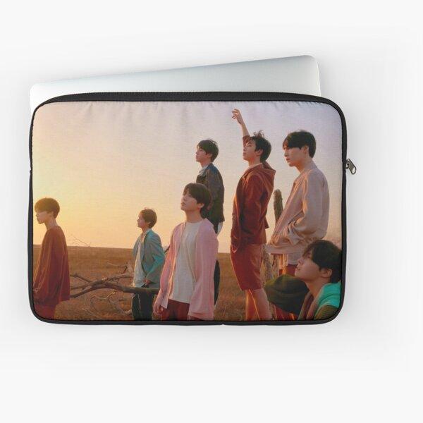 BTS FAKE LOVE Laptop Sleeve