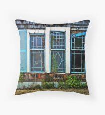 gingerbread house Throw Pillow