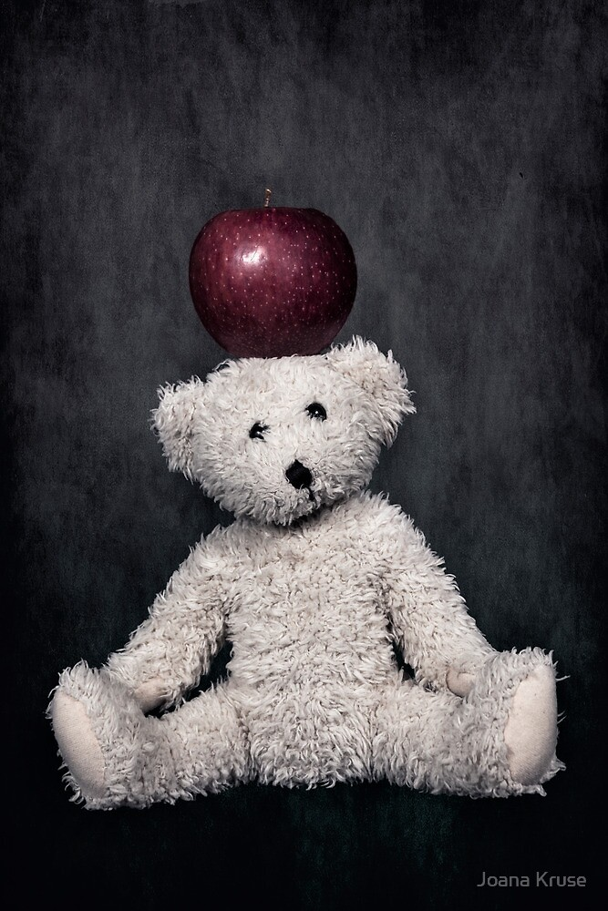 teddy bear by Joana Kruse