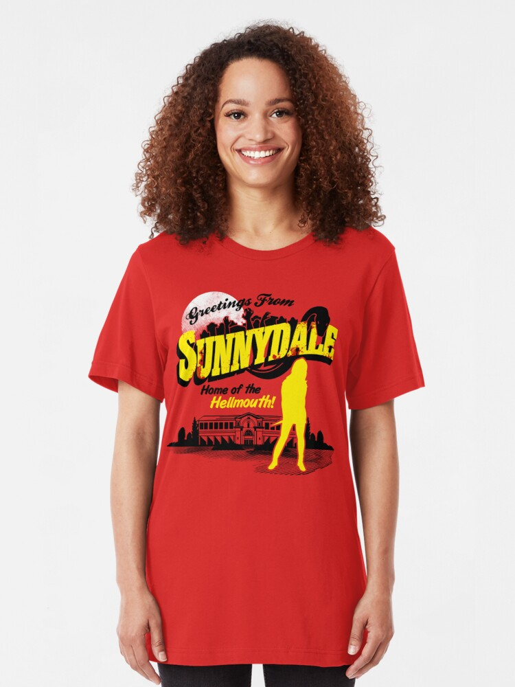 Vista alternativa de Camiseta ajustada Saludos desde Sunnydale