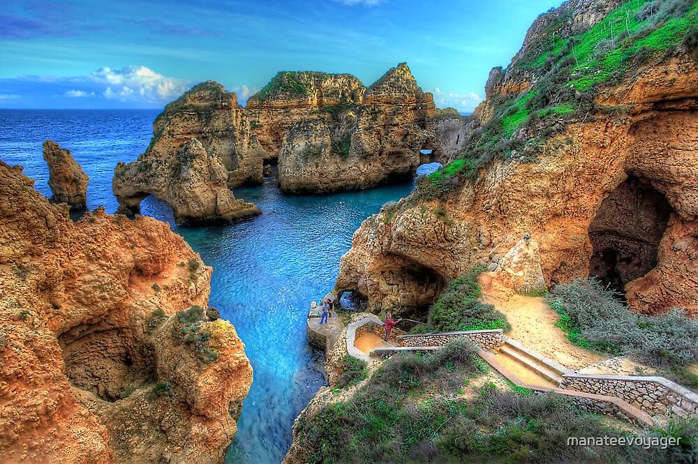Grottos at Ponta Piedade by manateevoyager
