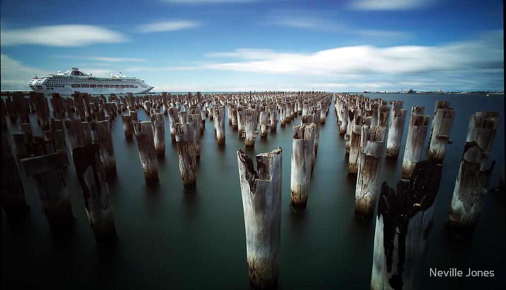 Princes Pier by Neville Jones