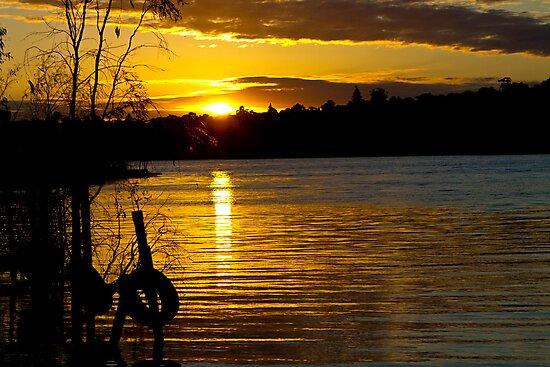 River Murray Sun Set by Dave  Hartley