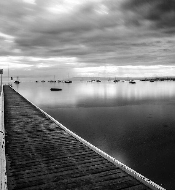 RYE Pier by Alan  Wright