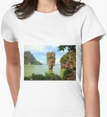 007 island Women's Fitted T-Shirt