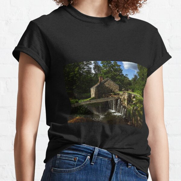 Canal house at Waterloo Village Classic T-Shirt