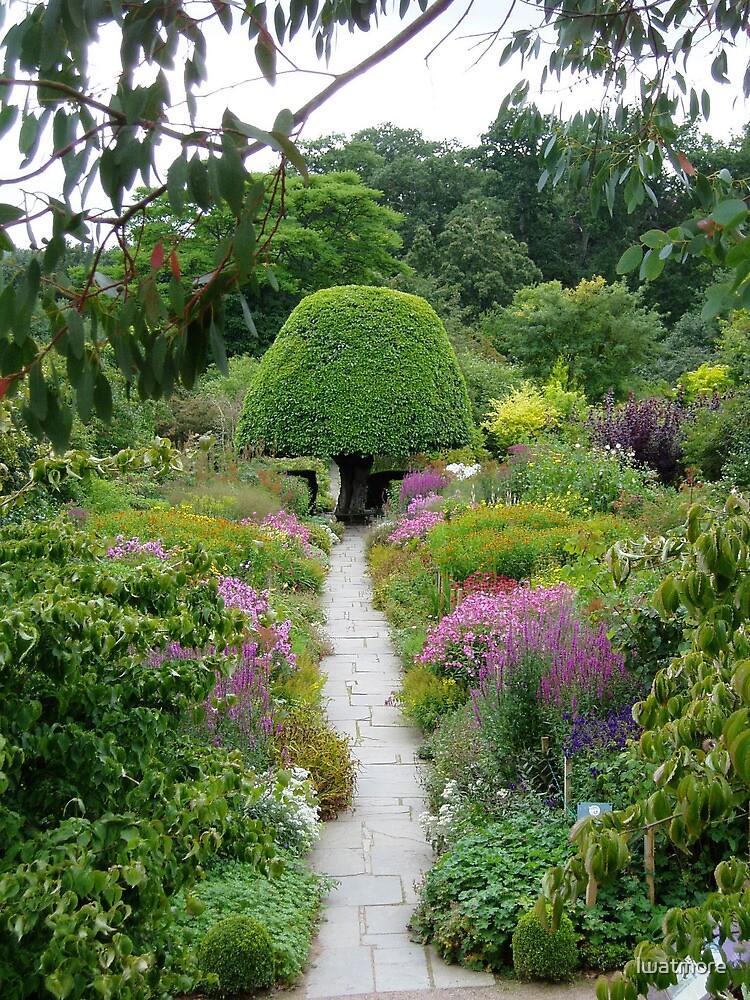 Crathes Garden by lwatmore