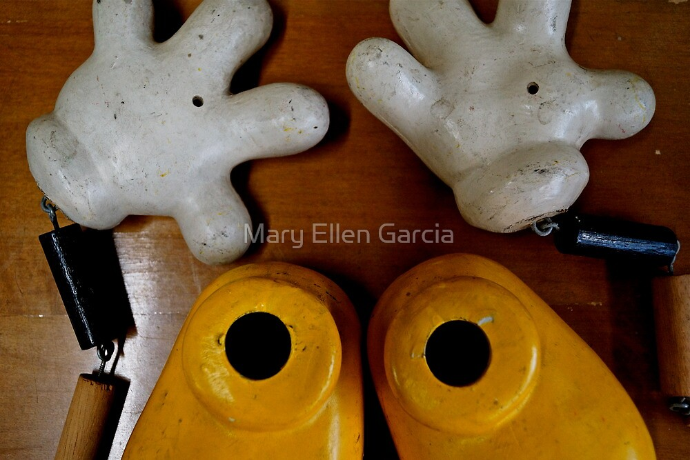 Oh no! What happened to Mickey? by Mary Ellen Garcia