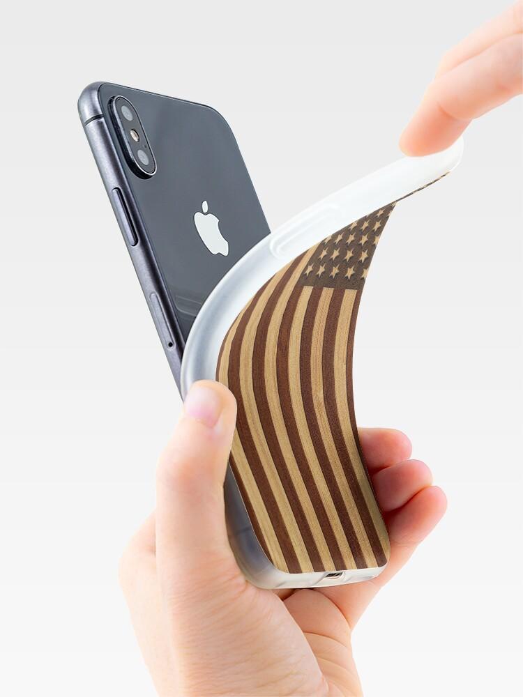 Vista alternativa de Vinilos y fundas para iPhone Bamboo Look & Engraved Vintage Bandera estadounidense de Estados Unidos