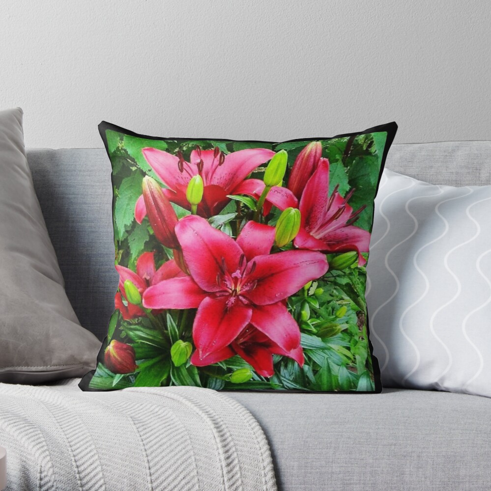 The Red Lily are Popping at Mommas Goden! Throw Pillow