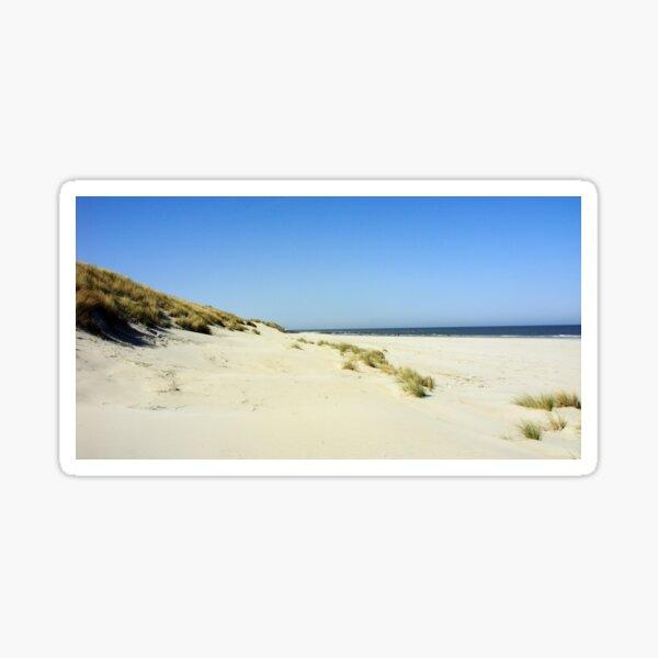 Strandansichten... ein Sandstrand mit Sicht bis ins Unendliche Sticker