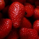 strawberries by Gasparedes