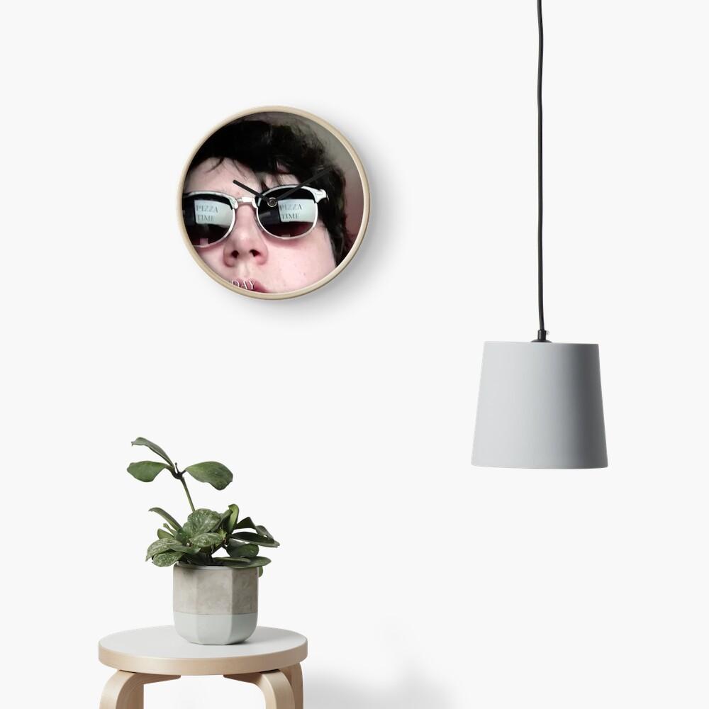 Arto hair Clock
