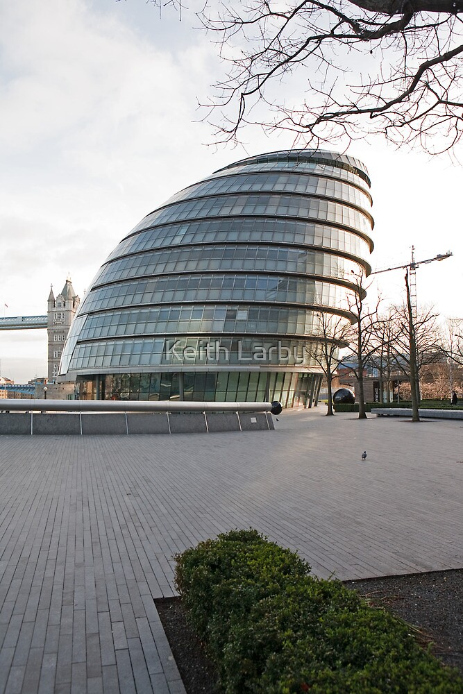 City Hall in London by Keith Larby