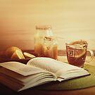 honey, tea & book  by annapozarycka