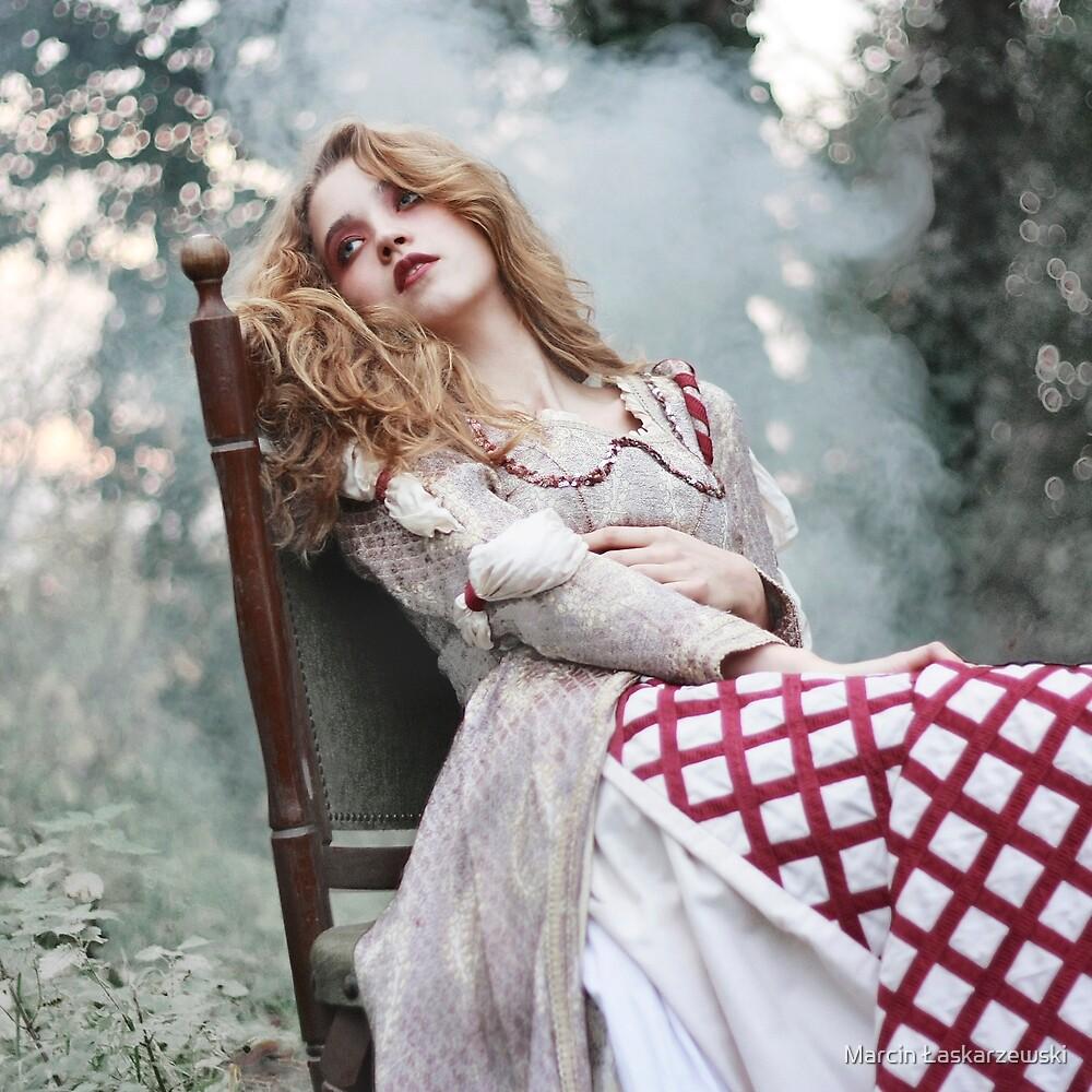 Beauty Lie by Marcin Łaskarzewski
