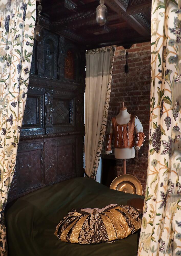 Gainsborough Old Hall- Bedroom by jasminewang