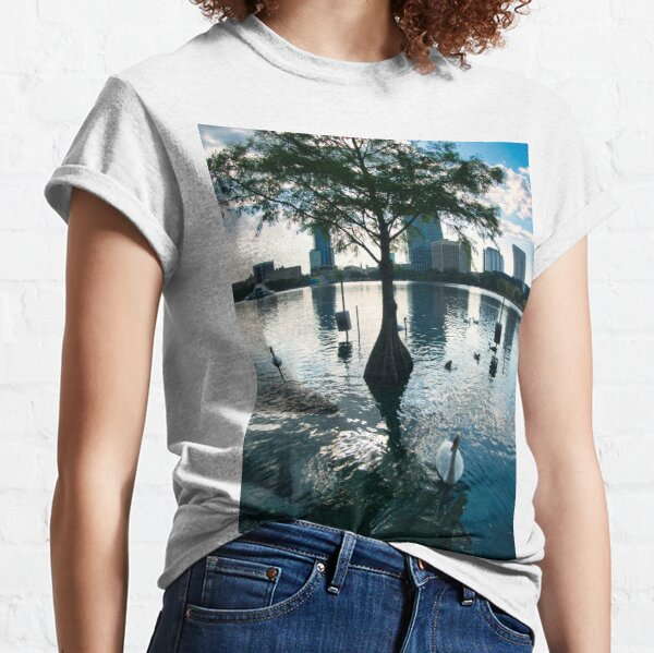 Nature in the middle of the park Classic T-Shirt