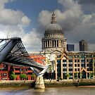 Millennium Bridge and St Paul's Cathedral by kurtolo